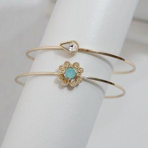 Jewelry - SET of 2 gold bangle bracelets